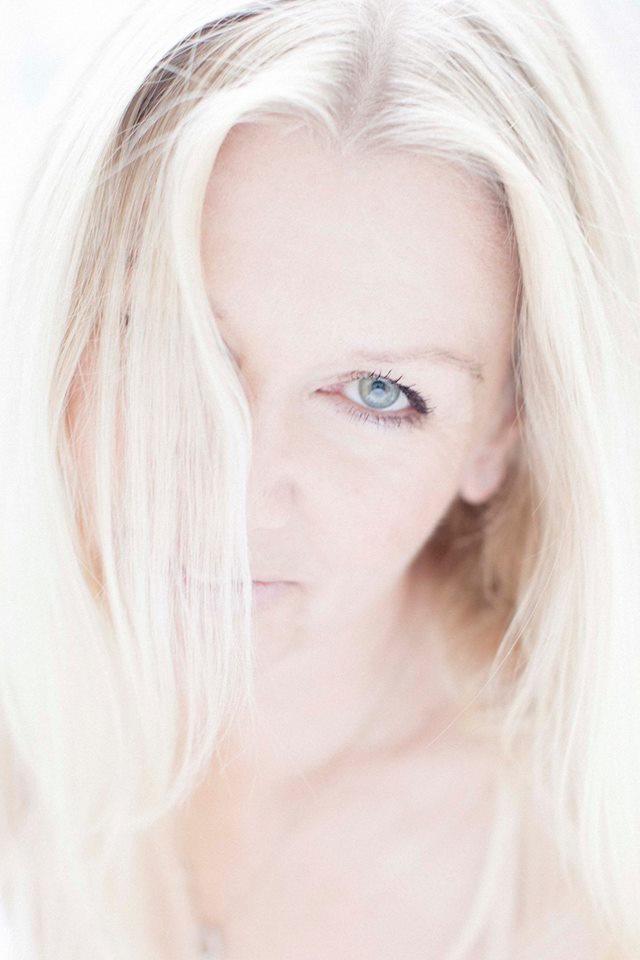 Fiona Profile pic 2