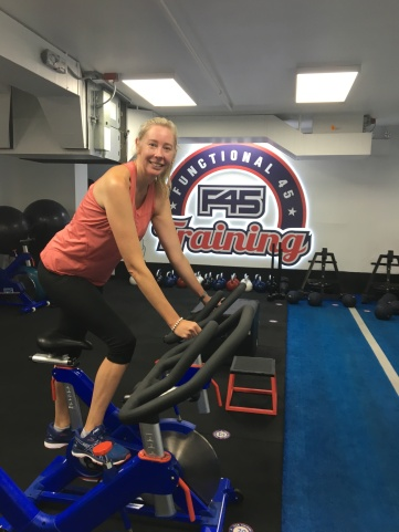 Aussie Mum Nakia Gordon exercising at F45 fitness